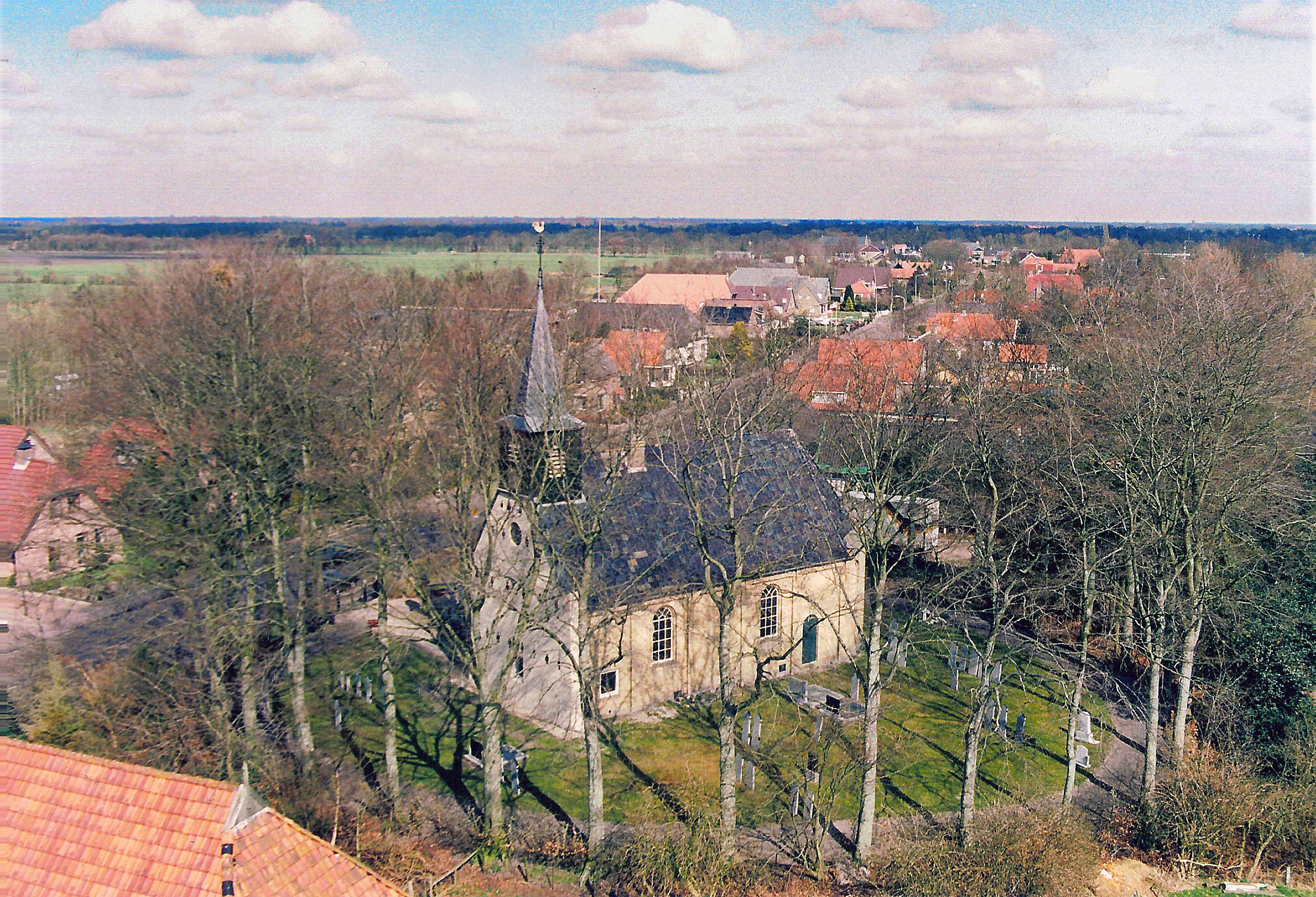 kerk luchtfoto JPG 2